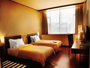 banana inn hotel spa terletak di keramaian kota bandung tepatnya di
